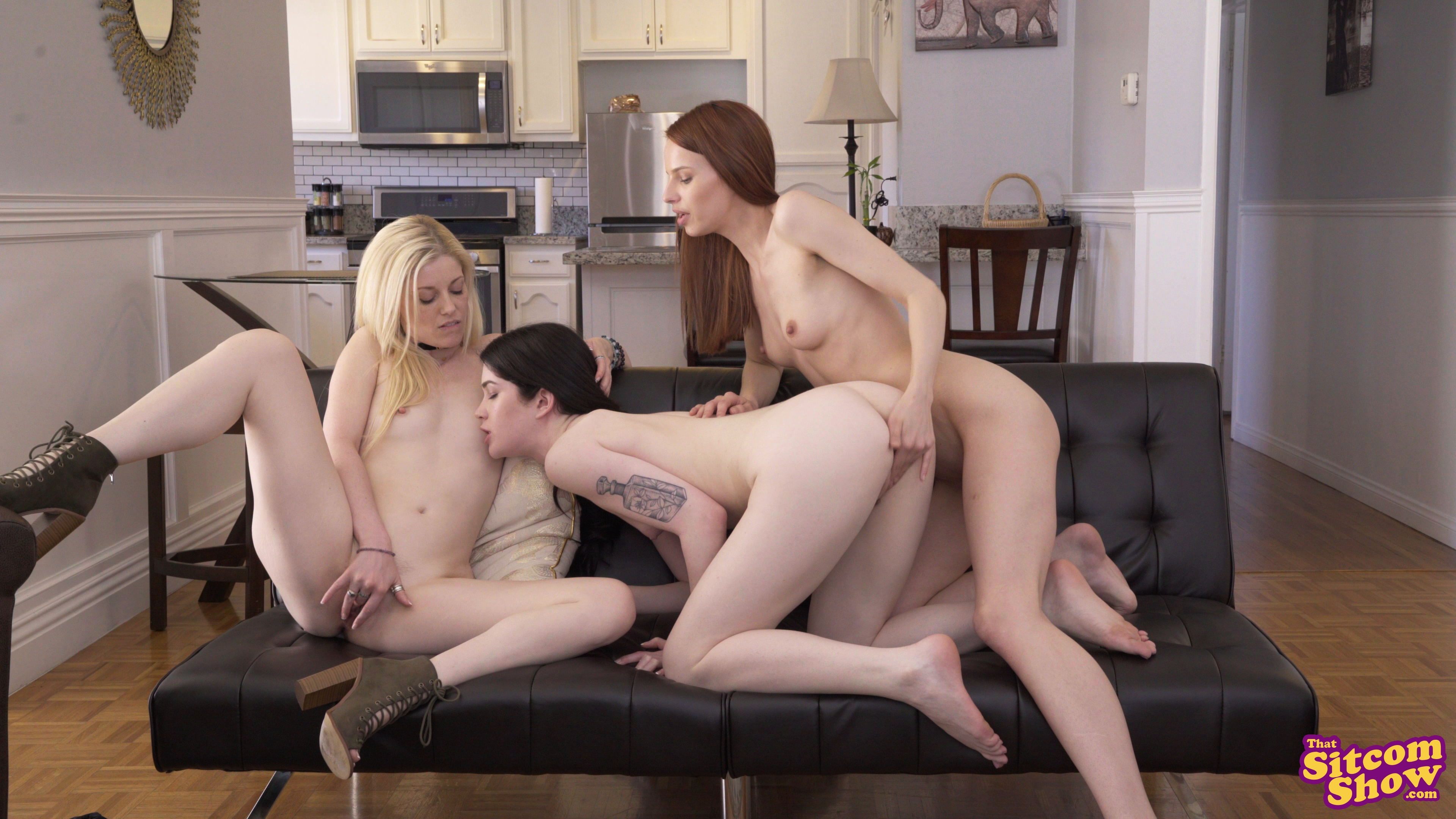 naked women friends with benefits fucking