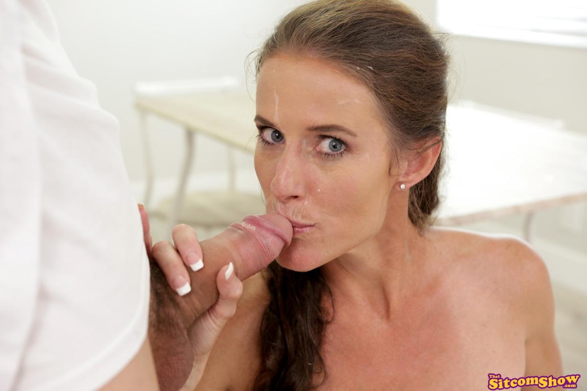 ThatSitcomShow.com - Sofie Marie: Leave It To Moms Beaver The Milk Man - S1:E2